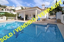 Immaculate villa with pool in Sanet