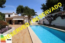 Character villa with pool in Denia