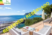frontline beach villa in calpe
